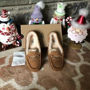 Ugg slipper shoes new